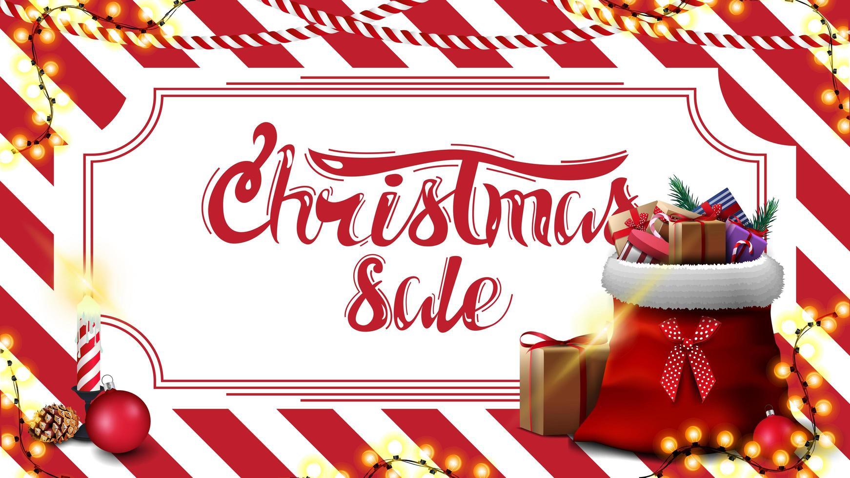 Weihnachtsverkauf, Rabatt-Banner mit rot-weiß gestreifter Textur auf dem Hintergrund und Weihnachtsmann-Tasche mit Geschenken vektor