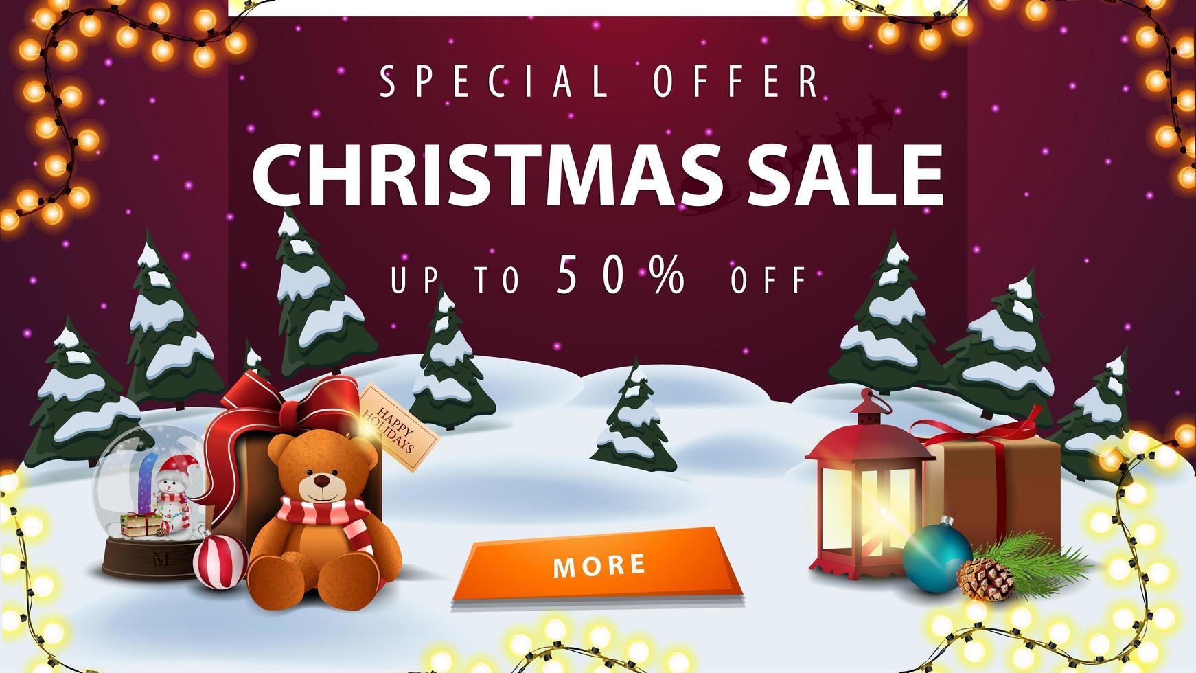 Sonderangebot, Weihnachtsverkauf, bis zu 50 Rabatt, Rabatt Banner mit Winterlandschaft, lila Sternenhimmel, Girlande, Knopf, antike Lampe, Schneekugel und Geschenk mit Teddybär vektor