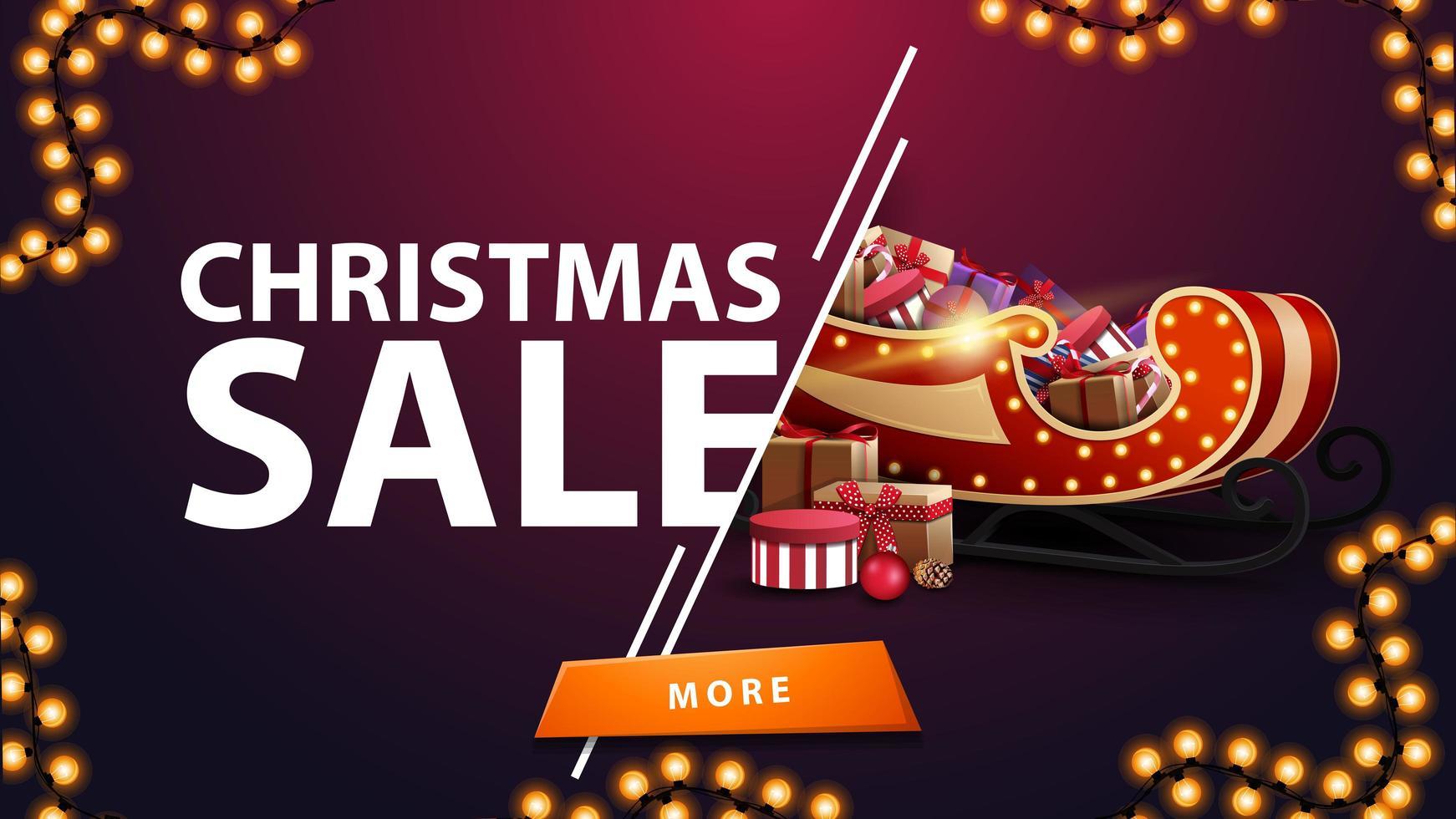 julförsäljning, lila rabattbanner med krans, knapp och santa släde med presenter vektor