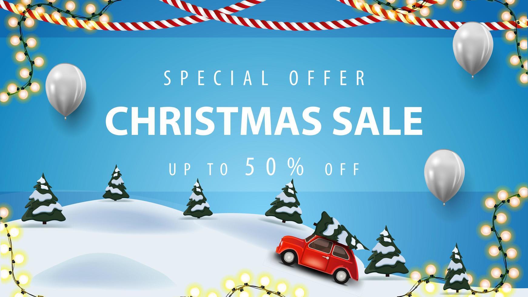 Sonderangebot, Weihnachtsverkauf, bis zu 50 Rabatt, blaues Rabattbanner mit weißen Luftballons, Girlanden und Cartoon-Winterlandschaft mit rotem Oldtimer mit Weihnachtsbaum vektor