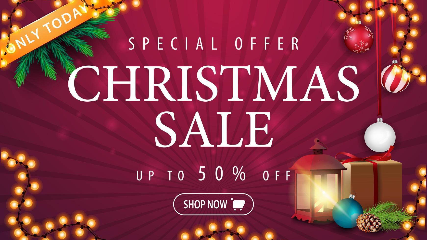 nur heute, Weihnachtsverkauf, bis zu 50 Rabatt, lila Rabatt Banner mit Geschenk, Vintage Laterne, Weihnachtsbaum Ast mit einem Kegel und einem Weihnachtsball vektor