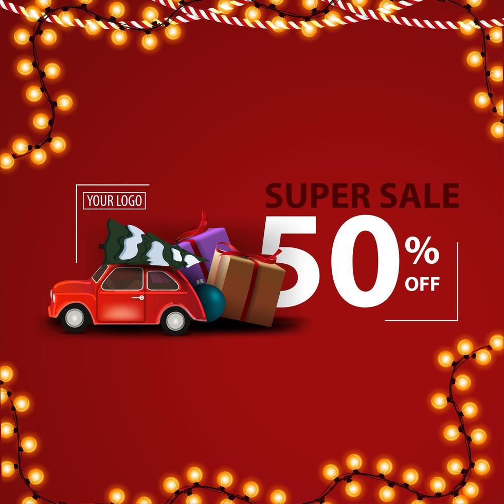 Weihnachts-Superverkauf, bis zu 50 Rabatt, rotes modernes Rabattbanner mit rotem Oldtimer mit Weihnachtsbaum und Geschenken vektor