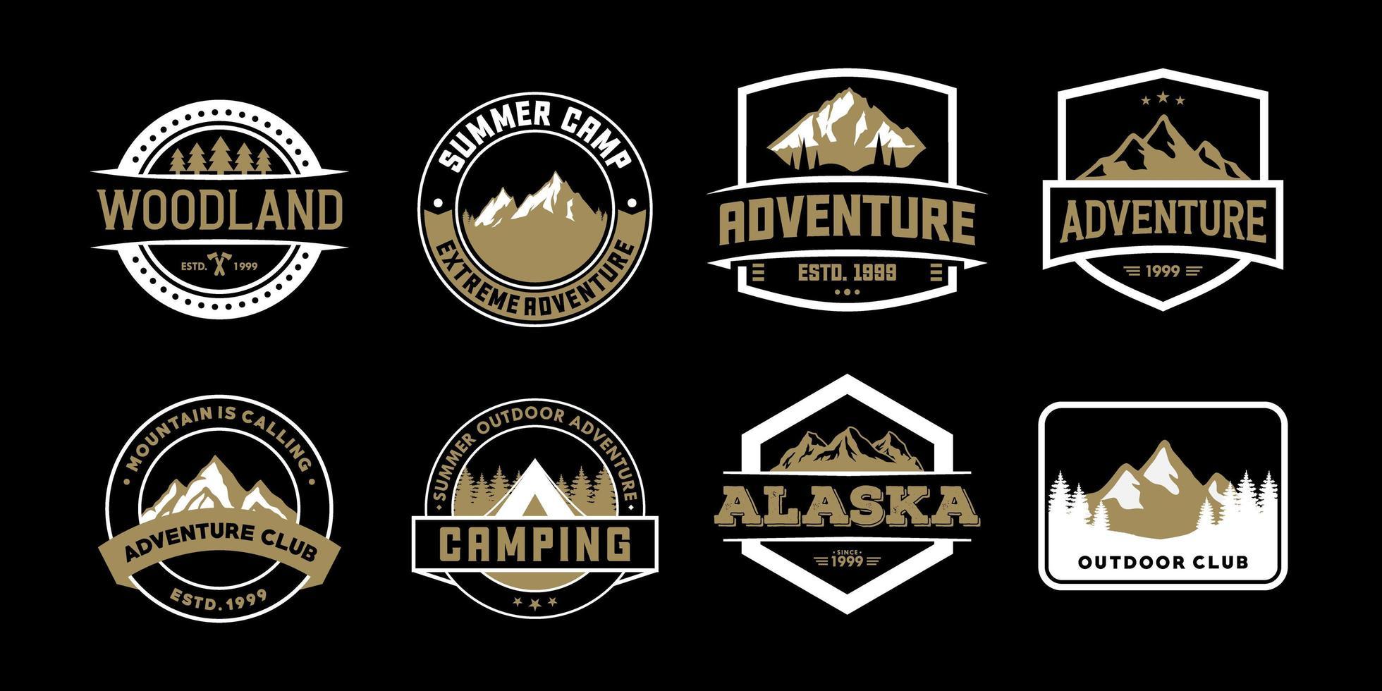 äventyrsmärke och logotyper för t-shirt, emblem, klistermärke och varor vektor