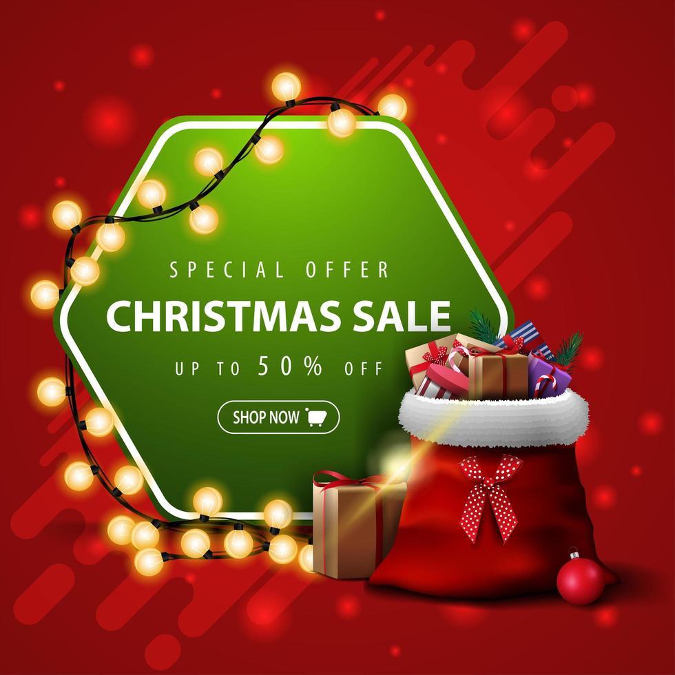 specialerbjudande, julförsäljning, upp till 50 rabatt, fyrkantig röd och grön banner med krans och jultomtenpåse med presenter vektor