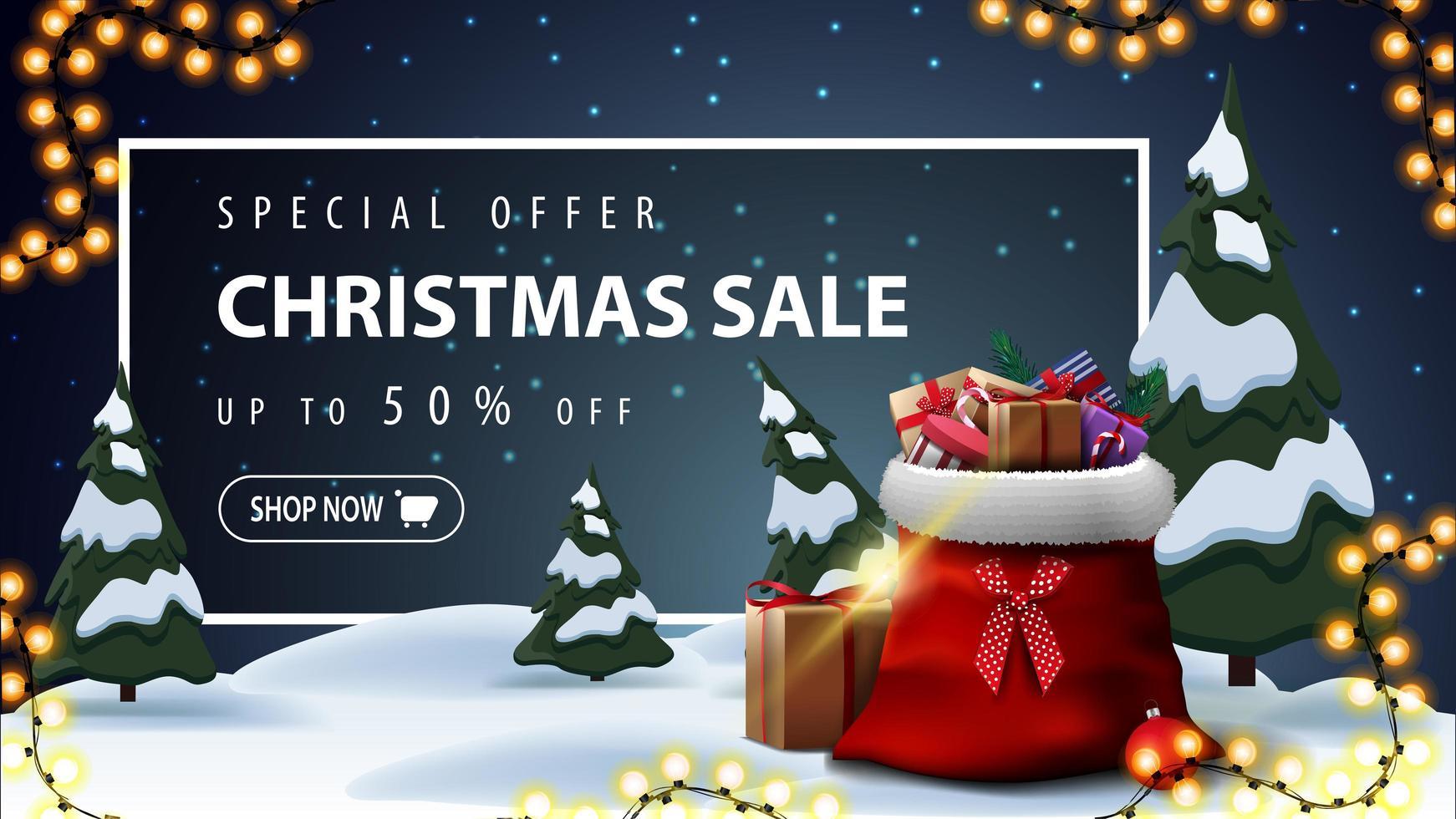 specialerbjudande, julförsäljning, upp till 50 rabatt, vacker rabattbanner med tecknad vinterlandskap på bakgrund, krans, jultomtepåse med presenter och vit ram med erbjudande bakom snödrivorna vektor