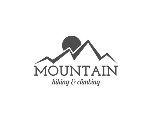 Vintage sommarläger badge och annan utomhus logotyp, emblem och etikett. Vandring och klättring koncept, monokrom design. Bäst för resebyråer, webbapp, äventyrstidningar. Lätt att byta färg. Vektor