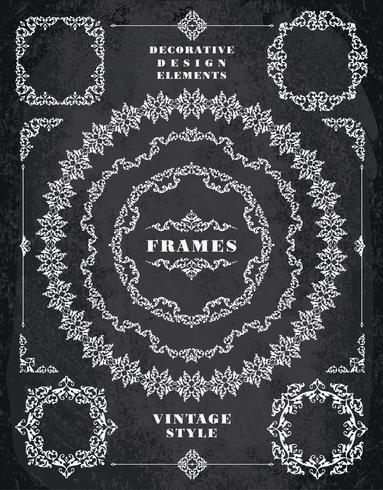 Set med Retro Vintage Badges, Ramar, Etiketter och Gränser. Kritbordet Bakgrund vektor