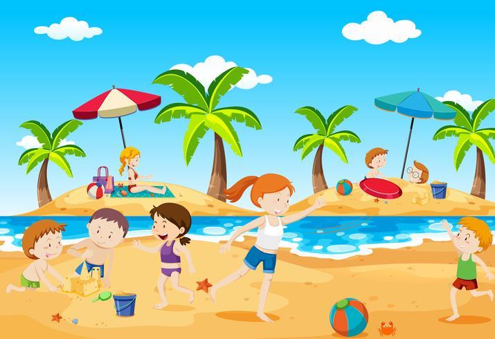 Barn som leker på stranden på sommaren vektor