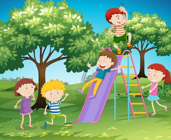 Barn leker glida i parken vektor