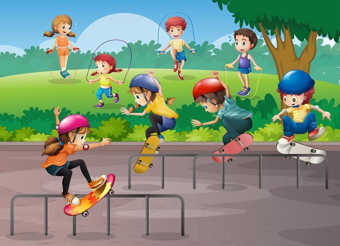 Barn spelar olika sporter i parken vektor