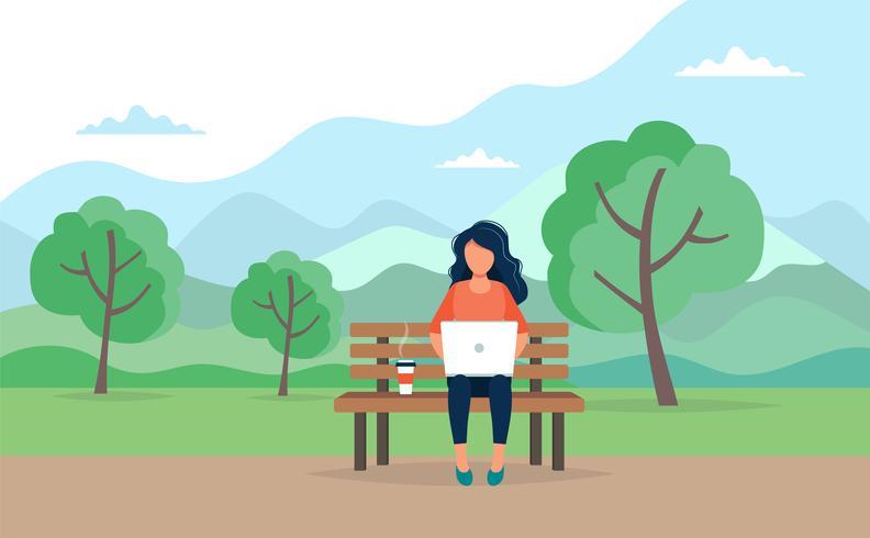 Kvinna med bärbar dator sittande vektor