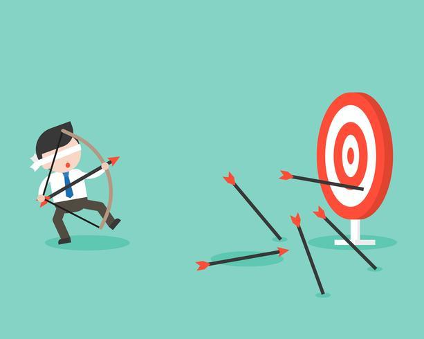 Blinder Geschäftsmann versucht, Pfeil und Bogen für das Bogenschießen zu verwenden, verfehlt jedoch das Ziel vektor