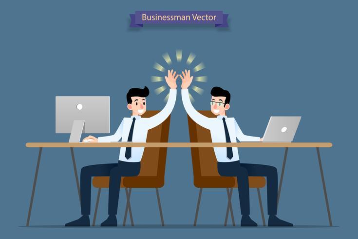 Erfolgreicher Geschäftsmann, Teamwork, die zusammenarbeitet, indem Computer und Laptop verwendet werden, die High-Five geben, Glückwunsch, nachdem ihr Job beendet ist. vektor