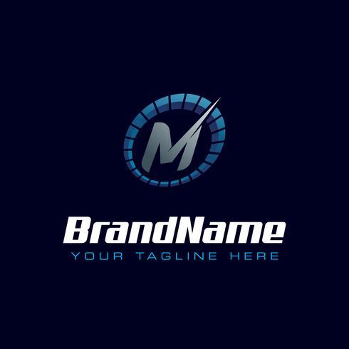 Brev M Speedometer-logotyp. Tachometer hastighet logotyp vektor