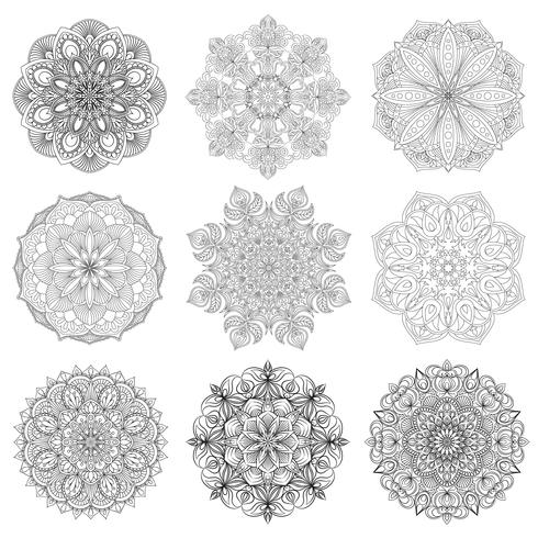 Set av 9 handritade vektor arabiska mandala på vit bakgrund. Etnisk dekoration