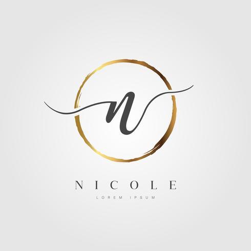 Guld Elegant Initial Letter Type N vektor