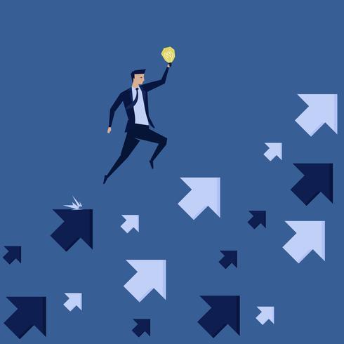Affärsman som rymmer idén som hoppar över pilen som pekar upp vektor
