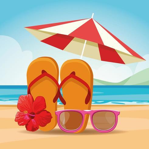 Sandalen Sonnenbrillen und Sonnenschirm am Strand vektor
