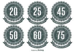 Grunge årsdag etikett uppsättning vektor