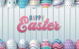 glücklicher Osterhintergrund mit realistischen Ostereiern auf Holztäfelung