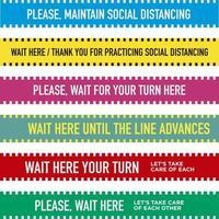 Satz von sozial distanzierenden Bodenbändern in Englisch