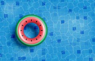 Sommerbecken mit schwimmendem vektor