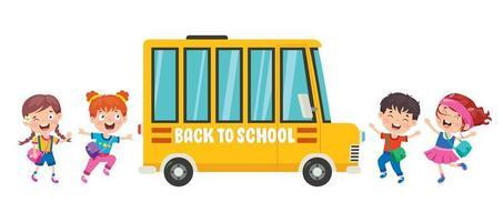 glada barn som går runt skolbussen