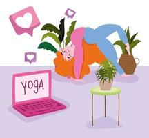 online yoga, kvinna i pose yoga med laptop och krukväxter