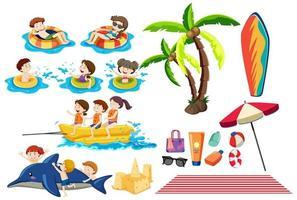 Reiseset mit Kindern im Wasser und Strandutensilien vektor