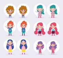 uppsättning små barn med olika poser vektor