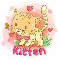 söt kattunge som leker i trädgården och känner kärlek