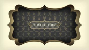 schwarzes thailändisches Muster mit verziertem goldenen Rahmen
