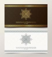 Kartenset mit dekorativem goldenen Ornamentrandrahmen vektor