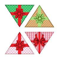 dreieckiges Geschenkbox-Set isoliert auf Weiß vektor