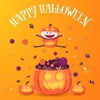 glückliches Kind im Kürbiskostüm, das über Süßigkeiten springt
