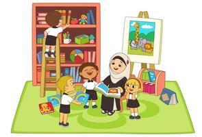 Kinder hören Geschichte von Lehrer im Klassenzimmer