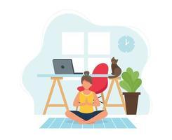ung kvinna som gör yoga i mysig modern inredning