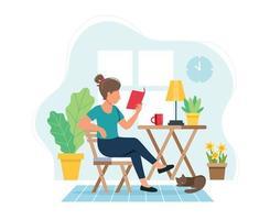 Frau, die ein Buch im gemütlichen modernen Innenraum liest