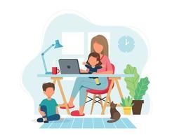 Frau, die von zu Hause mit Kindern arbeitet