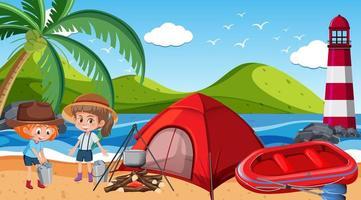 Picknickszene mit glücklicher Familie am Strand