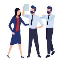 Geschäftsmitarbeiter, die Dokument betrachten