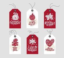 rote und weiße Weihnachtsgeschenkanhänger mit Kalligraphie vektor