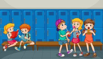 glada barn på skolhallen