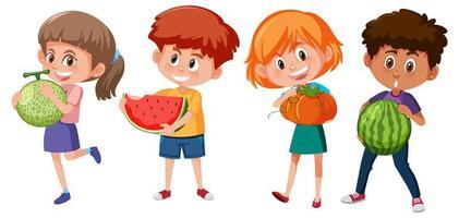 Satz verschiedene Kinder, die Frucht lokalisiert auf weißem Hintergrund halten vektor