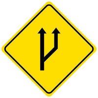 Beginn eines gelben Zeichens der Überholspur auf weißem Hintergrund