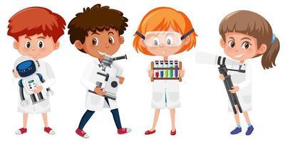 uppsättning barn i forskarlabbrockar som rymmer vetenskapliga objekt