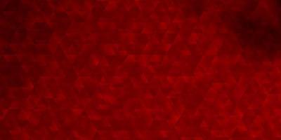 rote Schablone mit Dreiecken.