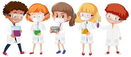 uppsättning barn i forskarlabbrockar med ansiktsmasker