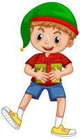 süßer Junge, der Weihnachtsmütze trägt und eine Geschenkbox auf weißem Hintergrund hält
