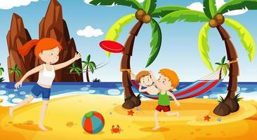 Ozeanszene mit Leuten, die Spaß am Strand haben vektor